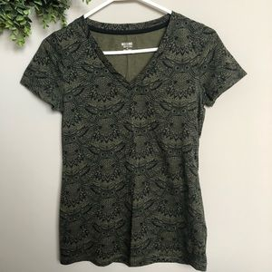 Mossimo Supply Co. green owl V-neck   Sz S